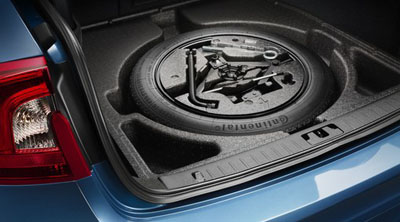 2018 Volvo S60 Spare wheel, storage under the floor